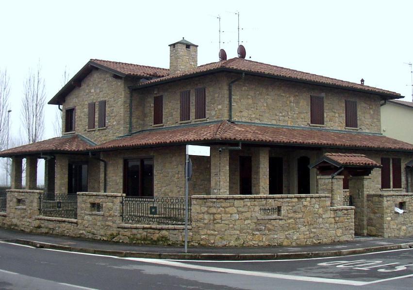 Rivestimenti e pavimenti in pietra per esterni gallery - Rivestimenti esterni casa ...