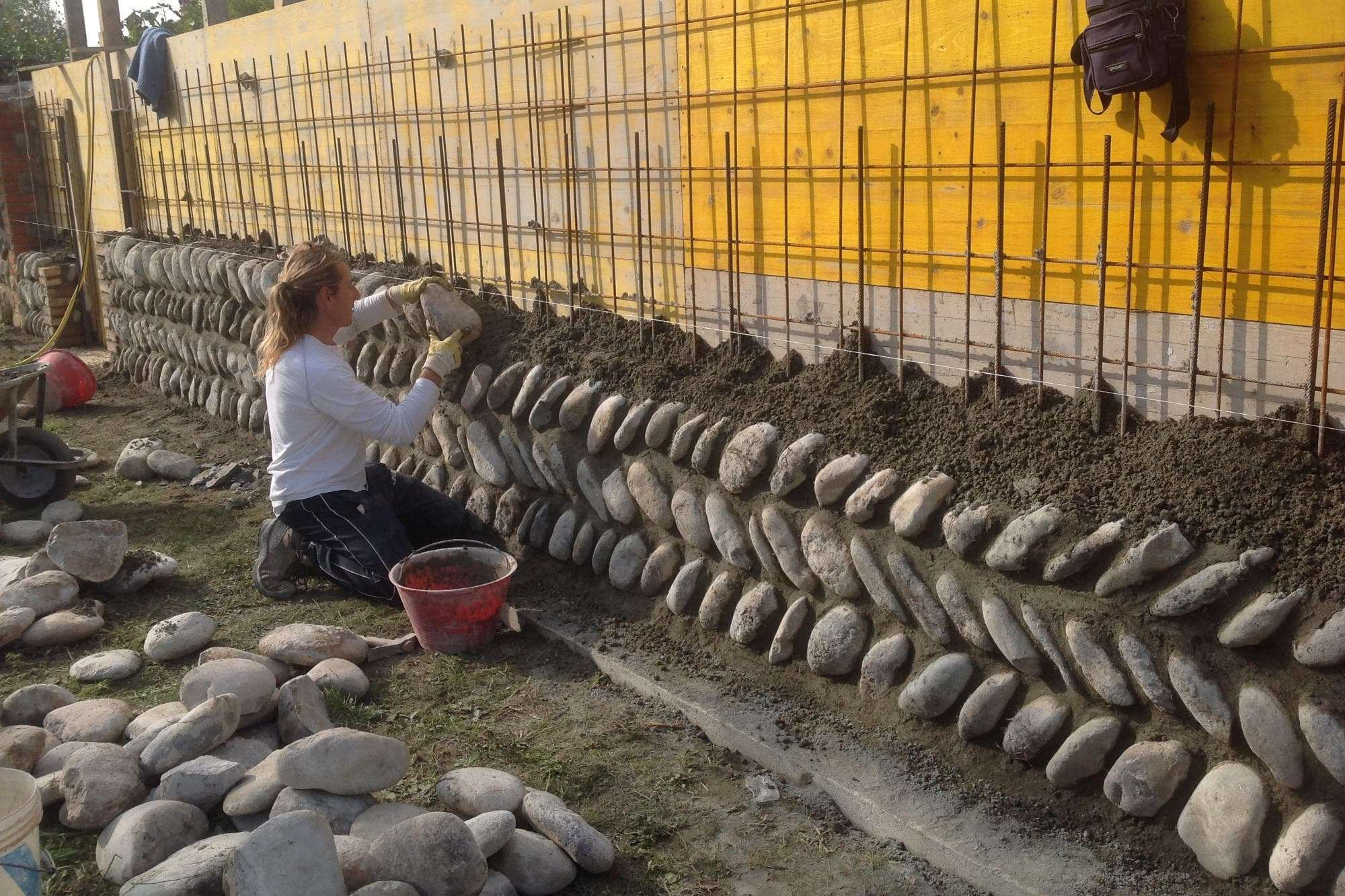 Rivestimenti in pietra naturale artigianipietracredaro for Pietra di credaro rivestimenti